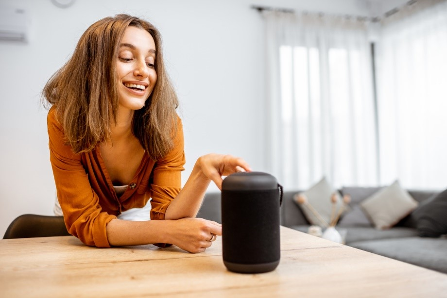 4 Ways To Reach Customers Through Their Smart Speakers On Respondfast.com
